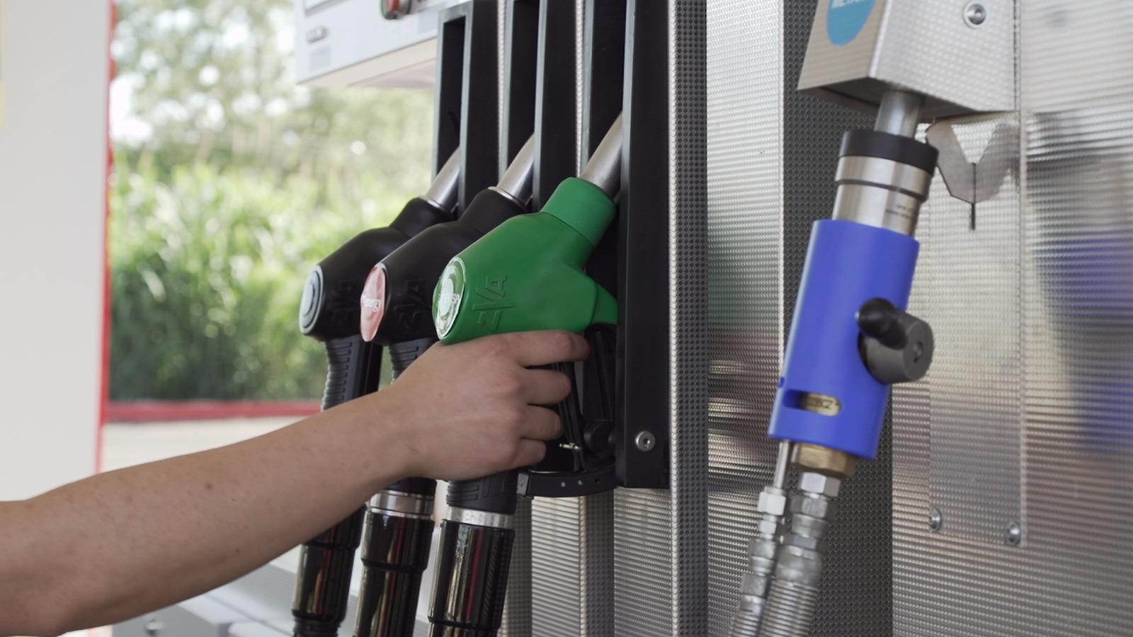 https://www.newenergycarburanti.it/wp-content/uploads/2018/09/WhatsApp-Image-2018-07-19-at-16.33.06-1.jpeg