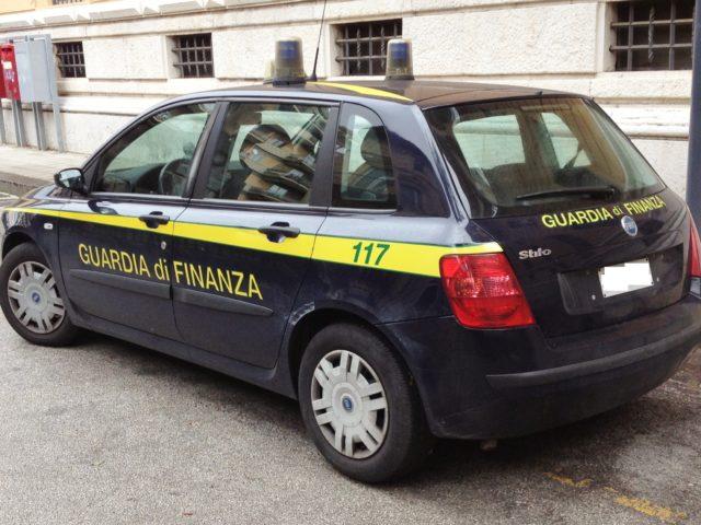 https://www.newenergycarburanti.it/wp-content/uploads/2020/02/Fiat_Stilo_Guardia_di_Finanza-1-640x480.jpg